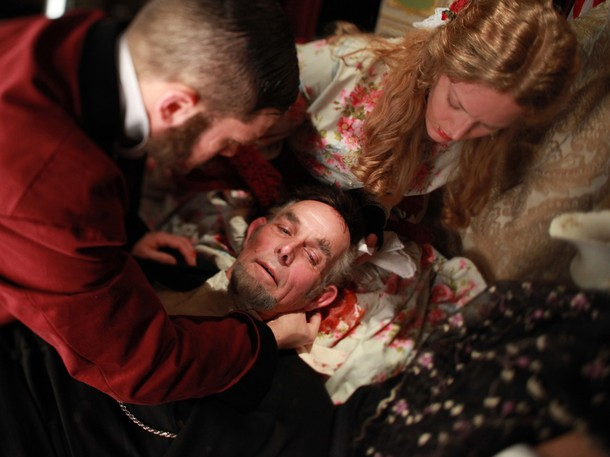 The assassin shot Abraham Lincoln in his head