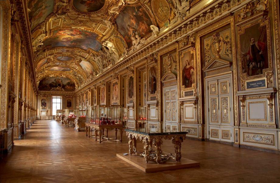 Louvre largest art museums