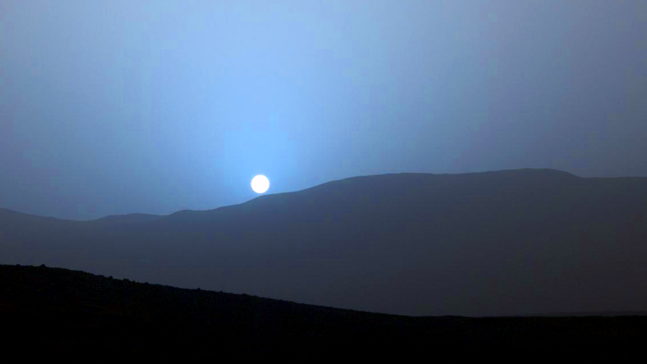 Sun set is blue On Mars