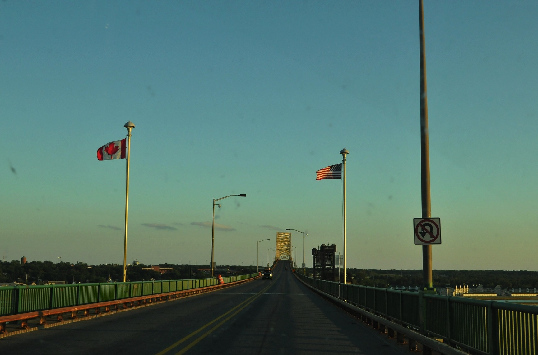 The Canada Border/ U.S. is the world's longest international border and it lacks military defense.
