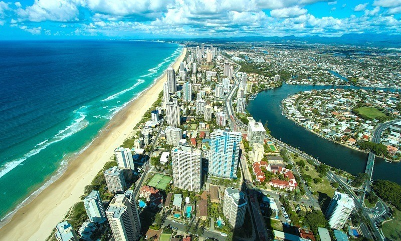 Australians live with in 100 kilometers of the coast
