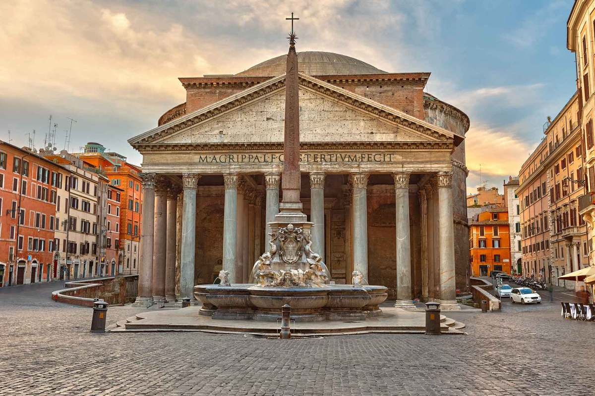 Pantheon is the well-preserved building of ancient Rome built by Emperor Hadrian