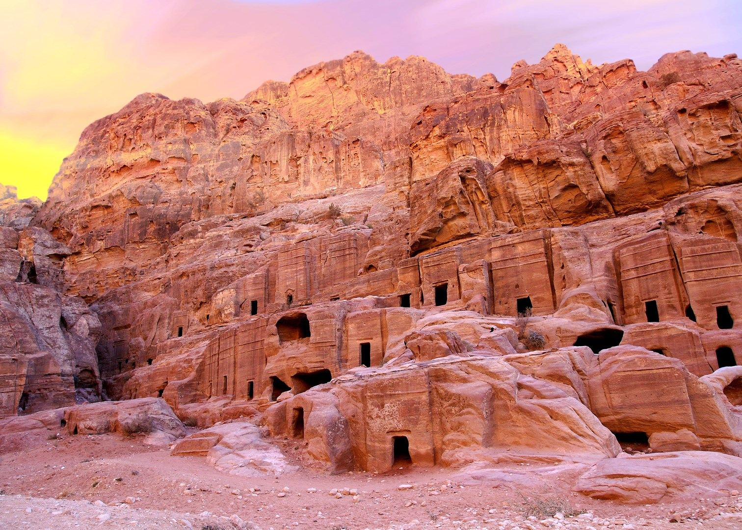 Sometimes-Petra-is-called-%E2%80%98Rose-City%E2%80%99due-to-Rose-Red-colored-sandstone-hills..jpg