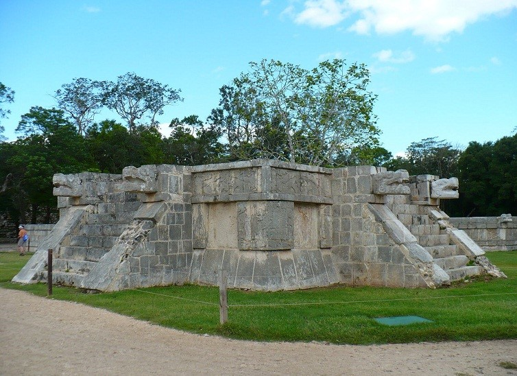 platform-of-venus-chichen-itza