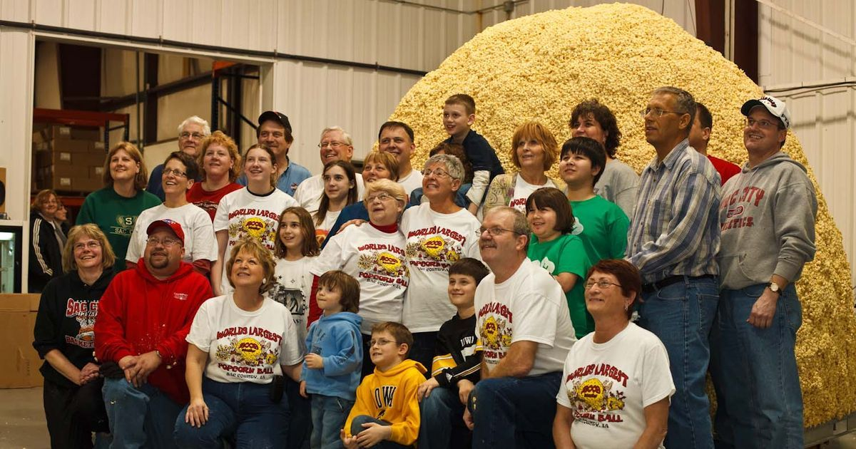 The world's largest popcorn ball was 12 feet in diameter and weighed 5,000 pounds - Serious Facts