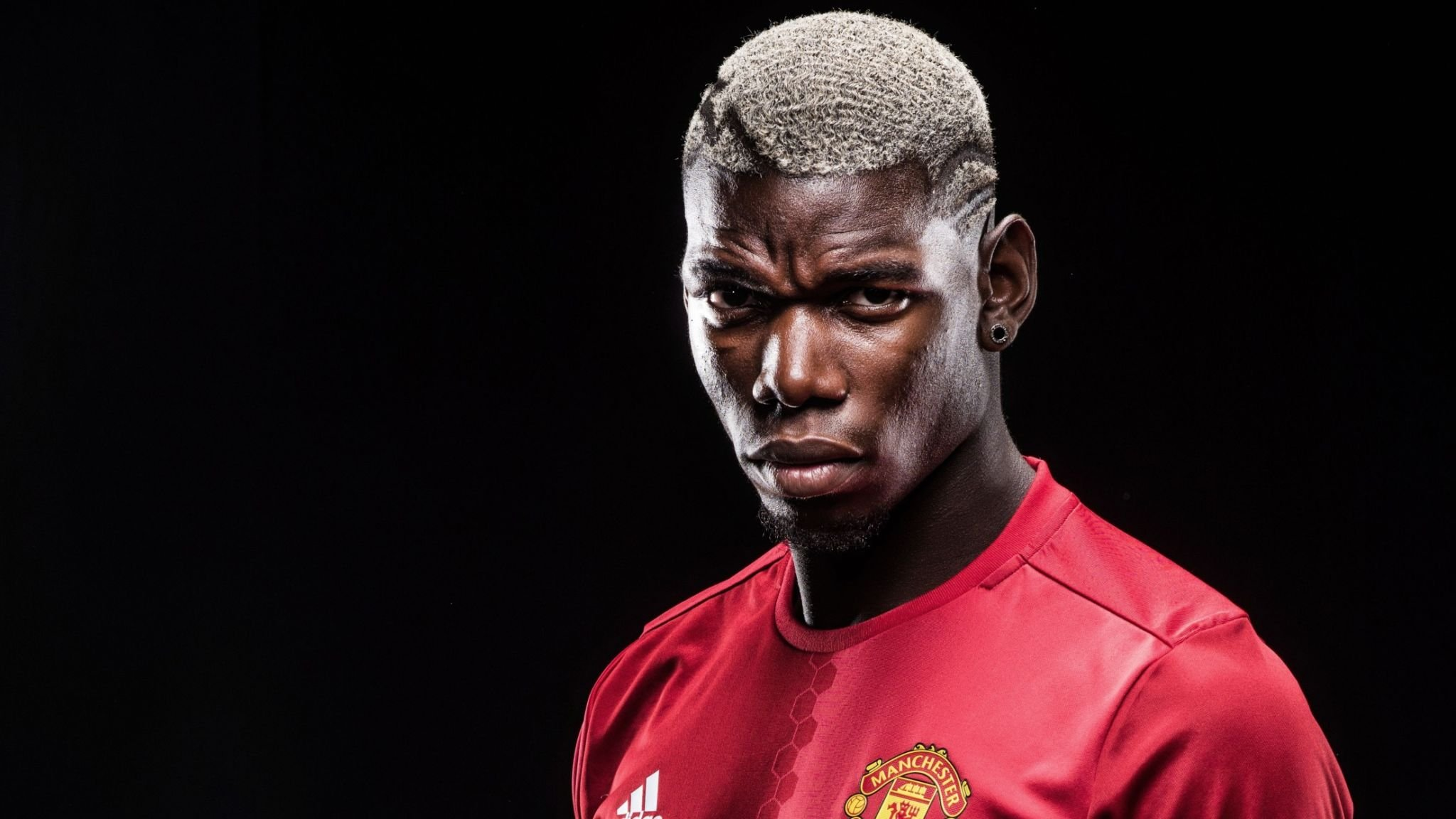 Paul Pogba (Juventus-Manchester United) is the world's most expensive football player.