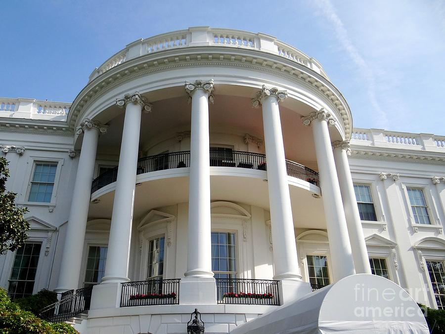 The Overall Height Of The White House Is 70 Feet On The South And  Inches On The North The Facade Is 18 3 Meters On The South Above Sea Level