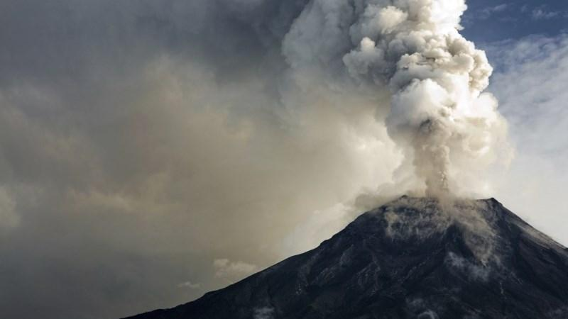 Volcano eruptions can be caused by earthquakes.