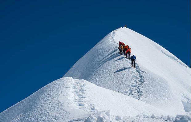 The Potanin Glacier, which is 14 km long, is the longest glacier in Mongolia.