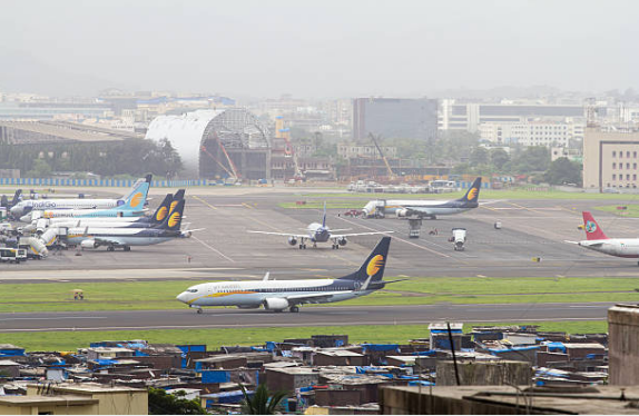 The world's largest runway is in China at the 'Qamba Bamba' Airport.