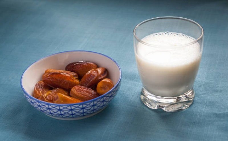 The visitors to Algeria are greeted with a gift of dates and milk.