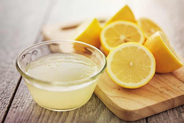 Lemons have a sour taste due to 5-6% citric acid within it.