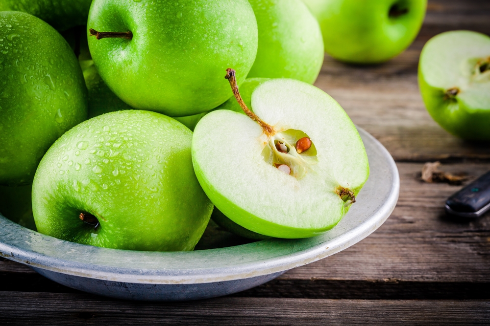 The average apple contains 10 seeds.
