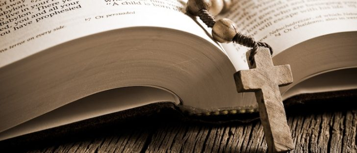 The Bible contains 611,00 words.