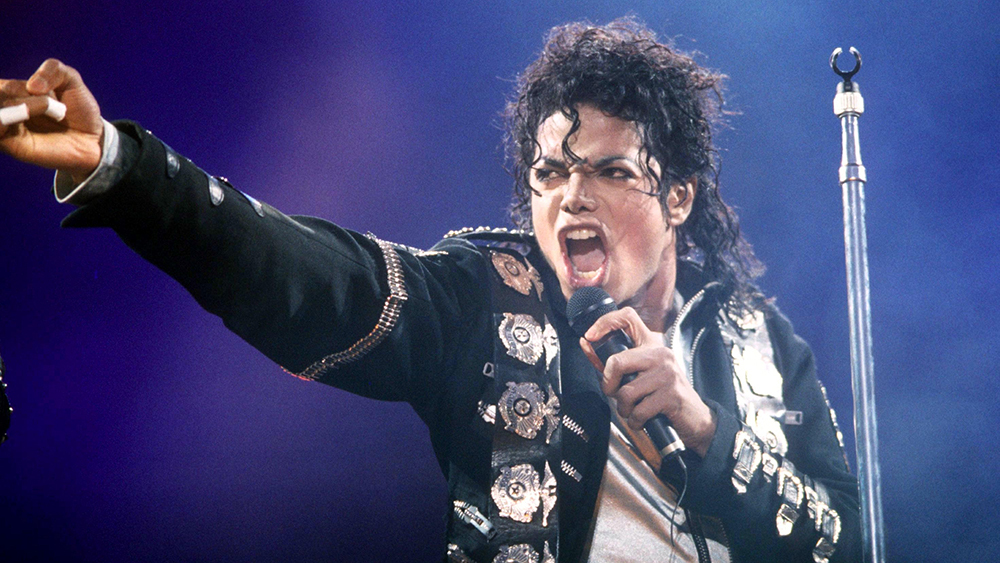 The largest TV viewers in US history watched Michael Jackson perform at half time during the 1993 Super Bowl.